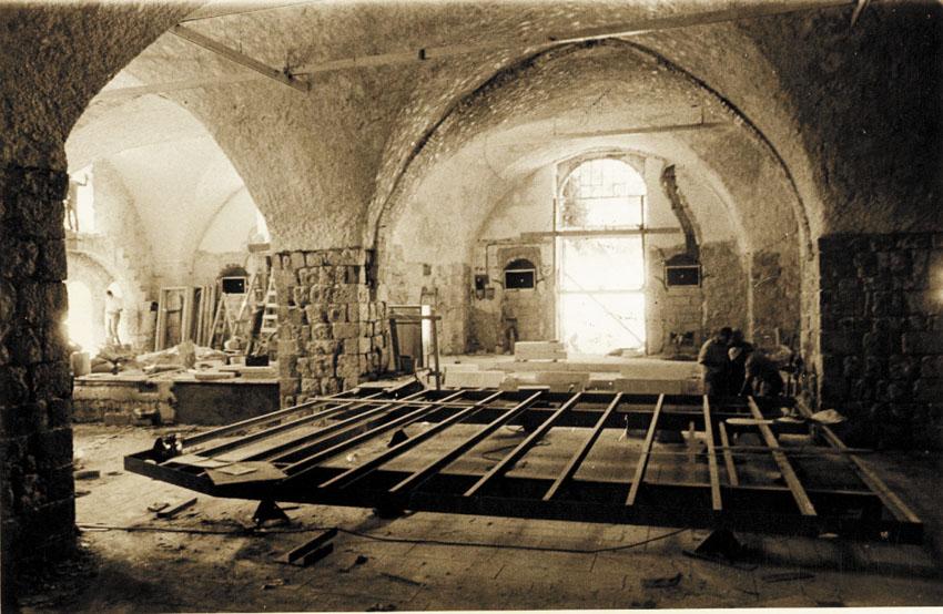 ההיסטוריה של תיאטרון החאן (צילומים: באדיבות תיאטרון החאן)