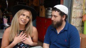 """מיסי ומיכאל ויט, בעלי מסעדת """"בוריטו חי"""" (צילום: הפקת """"מהפכה במטבח"""")"""