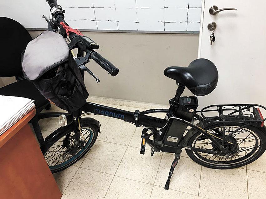 האופניים החשמליים (צילום: דוברות המשטרה)