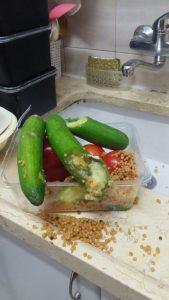מלפפונים ועגבניות - ירקות רקובים
