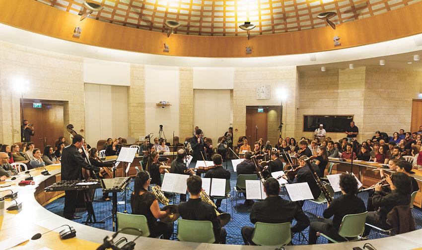 מופע קודם של תזמורת הרחוב הירושלמית (צילום: ילנה קווטני)