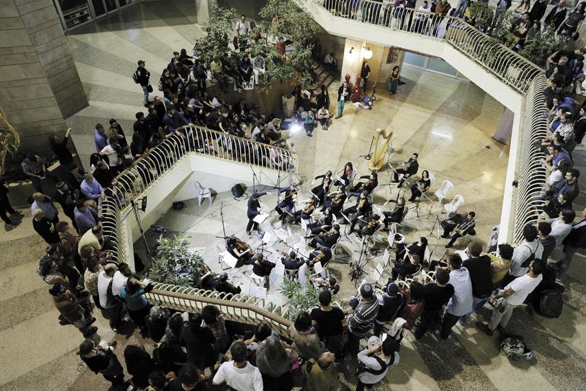מופע קודם של תזמורת הרחוב הירושלמית (צילום: אריק פוטרמן)