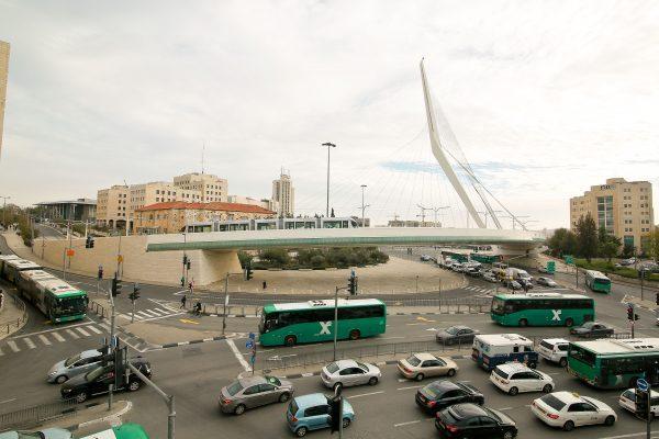 הכניסה לעיר, גשר המיתרים (צילום: ארנון בוסאני)