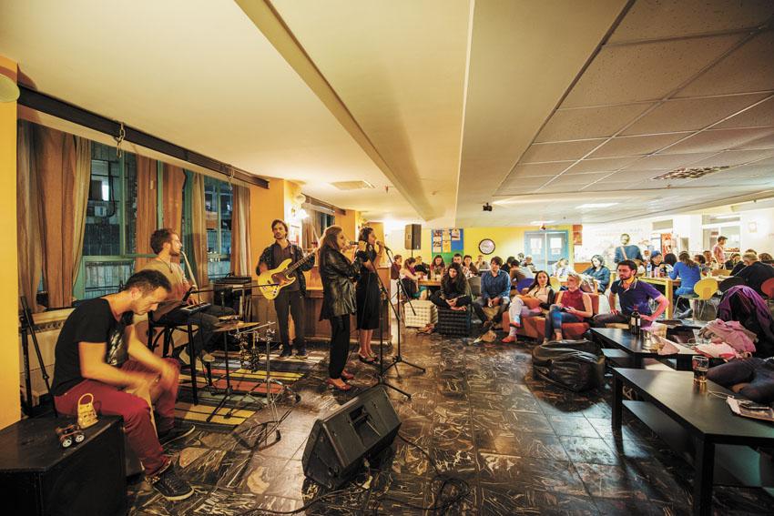 מלון אברהם הוסטל (צילום: דניאל קליין)