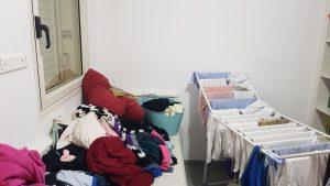 כביסה ובגדים מפוזרים - הטור של מיכל פישמן רואה על כביסות