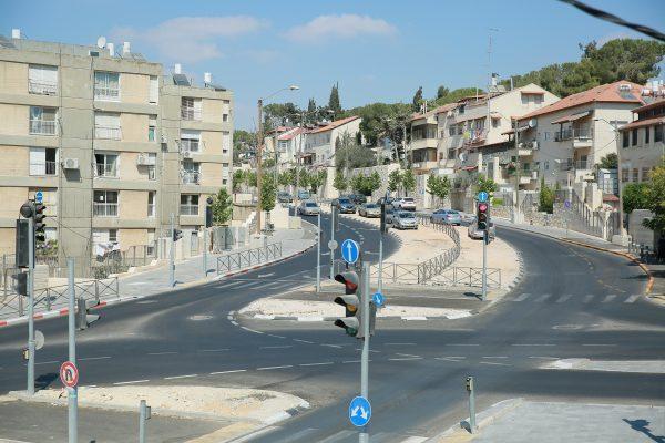 רחוב הנטקה, קרית היובל (צילום: ארנון בוסאני)