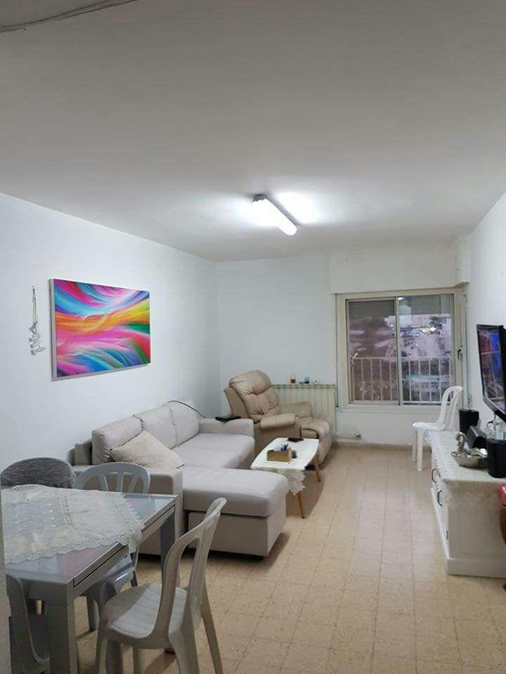 הדירה ברחוב אלכסנדר רובוביץ בארמון הנציב (צילום: מאיה שם טוב פז)