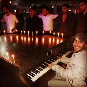אסף מרון, הפסנתרן מכיכר ציון