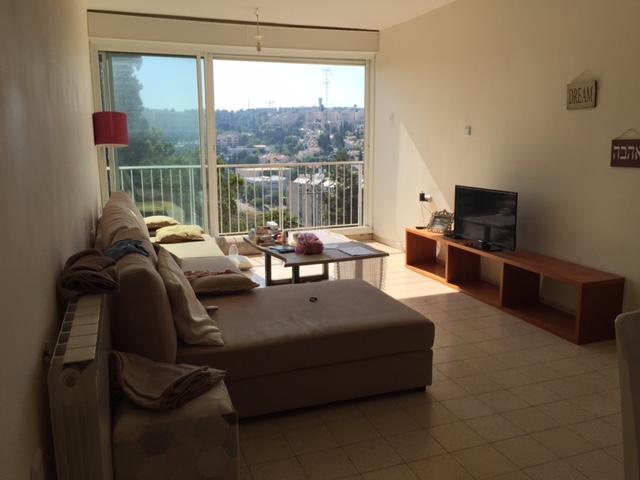הדירה ברחוב הציונות, קרית היובל (צילום: אייל שאולוף)