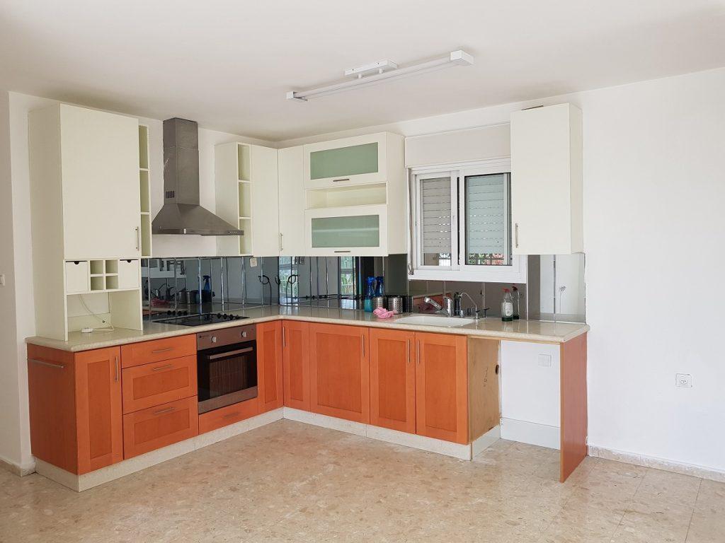 הדירה ברחוב יעקב צור, גבעת משואה (צילום: אייל שאולוף)