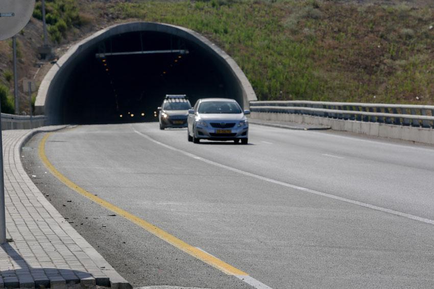 כביש 1 המשודרג (צילום: אורן בן-חקון)