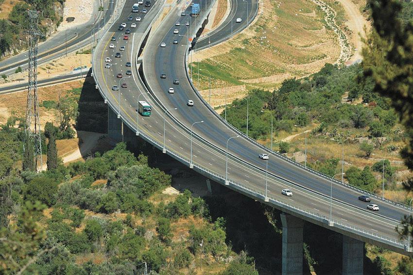 כביש 1 המשודרג (צילומים: בועז לוי, חברת נתיבי ישראל)