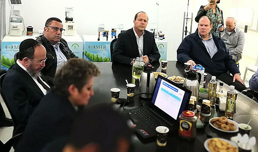 ראש העיר ניר ברקת, משה ליאון, מיכל שלם, יעקב הלפרין - הר החוצבים, השבוע (צילום: פרטי)