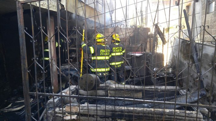 שריפה ברוממה (צילום: דוברות כבאות והצלה מחוז ירושלים)