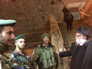 שאול שפיגלר והחיילים