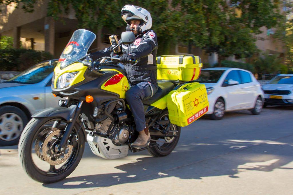 """אופנוע מד""""א בירושלים (צילום: שחר חזקלביץ, תיעוד מבצעי מד""""א)"""