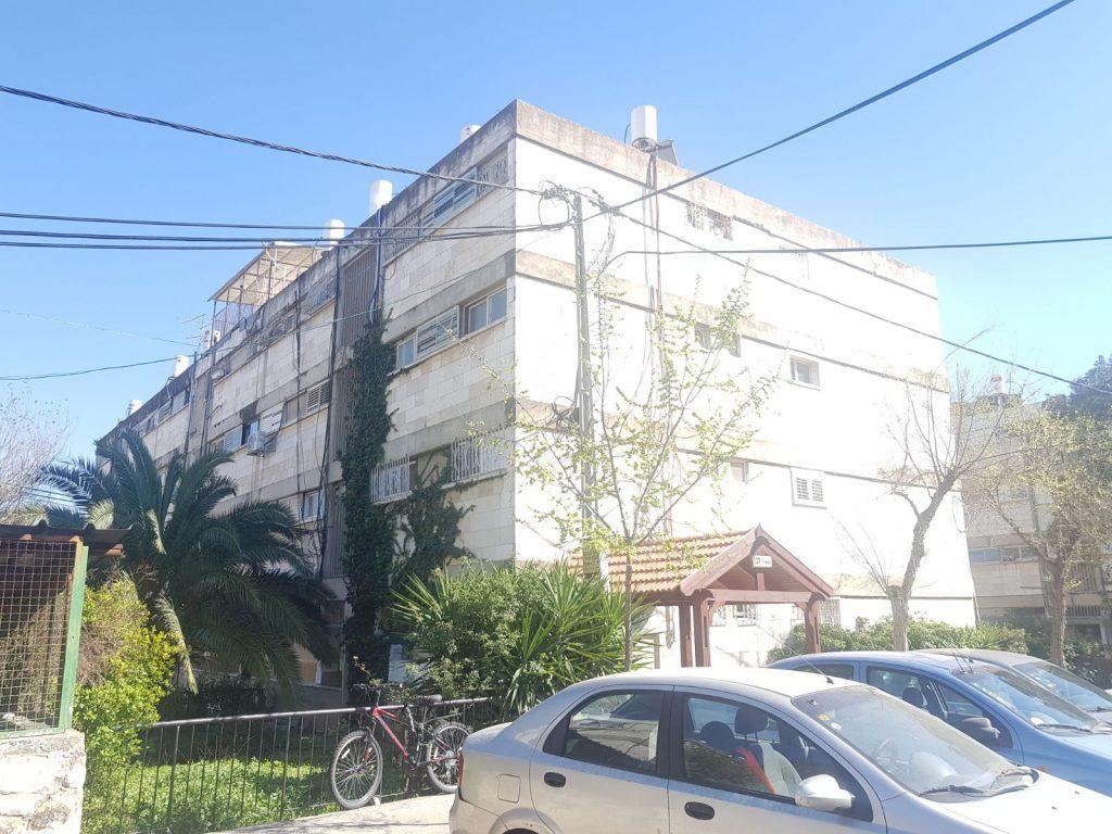 הבניין ברחוב גואטמלה, קרית היובל (צילום: אייל שאולוף)