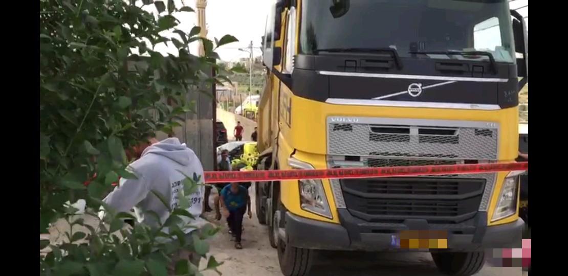 """זירת התאונה הקטלנית, ג'בל מוכאבר - ילד בן 4 נדרס למוות (צילום: תיעוד מבצעי מד""""א)"""