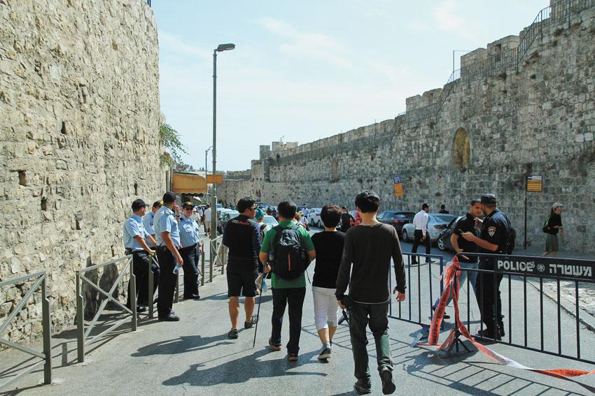 היערכות מוגברת של כוחות הביטחון וההצלה (צילום: ארנון בוסאני)