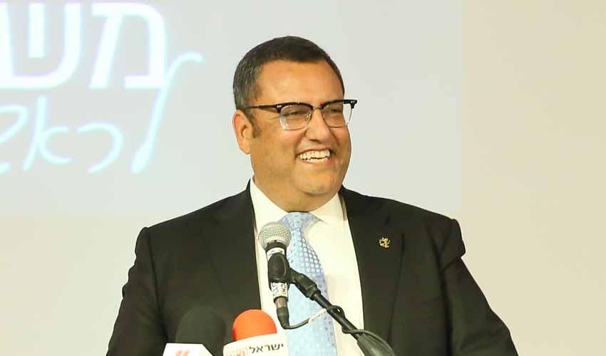 משה ליאון מכריז רשמית על התמודדות לראשות העיר (צילום: ארנון בוסאני)