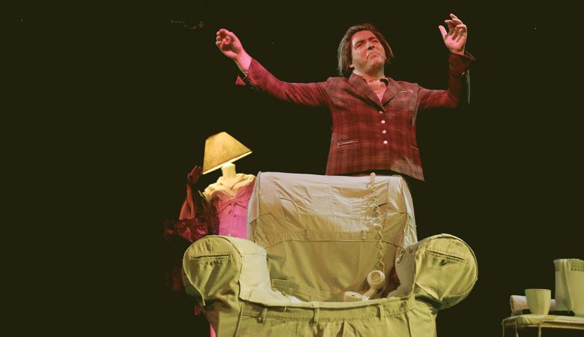 """ההצגה """"גולדה - הדיירת האחרונה"""" (צילום: אבי גולרן)"""