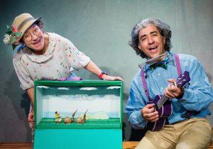 תיאטרון הקרון: ההצגה כרבת המתנות של סבא וסבתא (צילום: דור קדמי)
