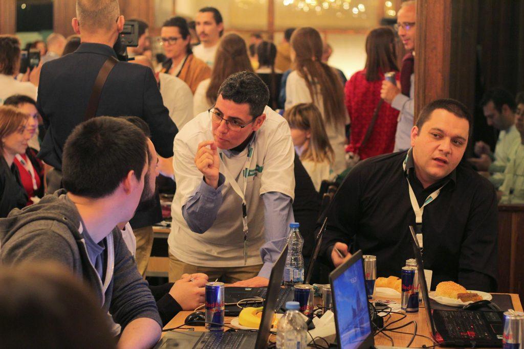 משתתפי ההאקאתון (צילום: באדיבות עזריאלי מכללה להנדסה)