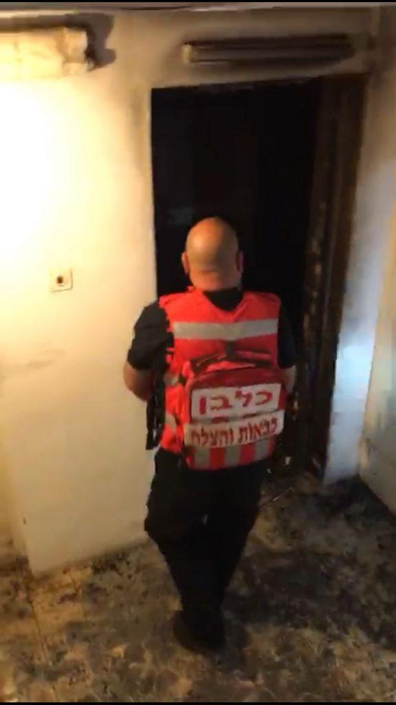 זירת השריפה בבית הכרם (צילום: דוברות כבאות והצלה ירושלים)