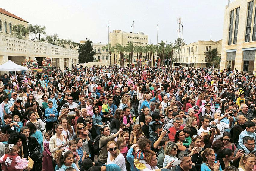 אירוע פורים בכיכר ספרא בשנה שעברה (צילום: מל בריקמן)