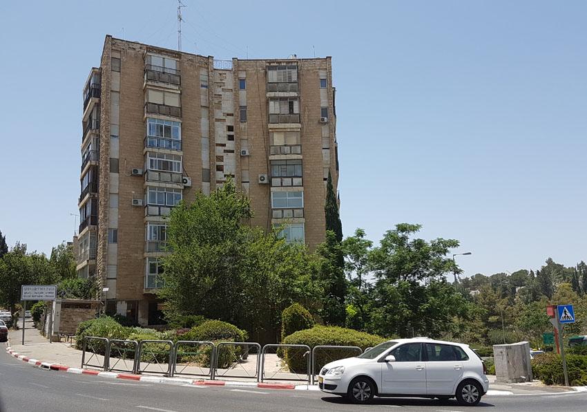 הבניין ברחוב טשרניחובסקי, קרית שמואל (צילום: משה גפני)