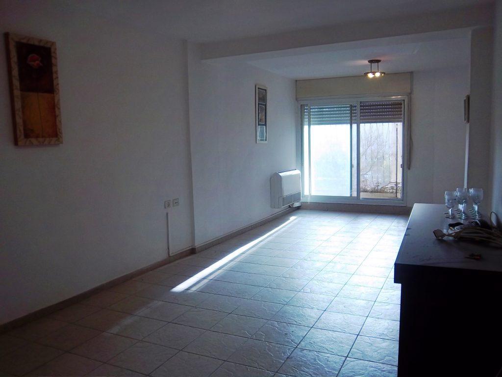 הדירה ברחוב שטרן, קרית היובל (צילום: אמה בונין ודודו כהן)