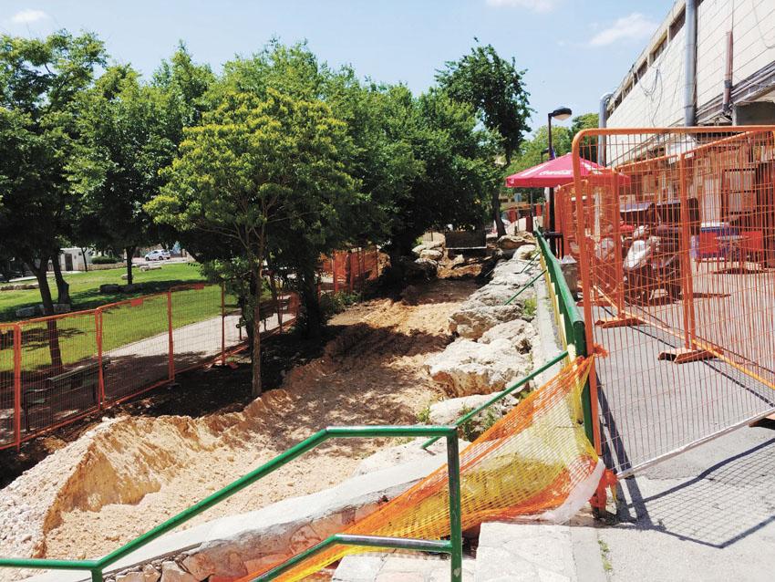 ענק ירושלים: החלו עבודות לשדרוג המרכז המסחרי קרית מנחם | כל העיר ירושלים AY-49