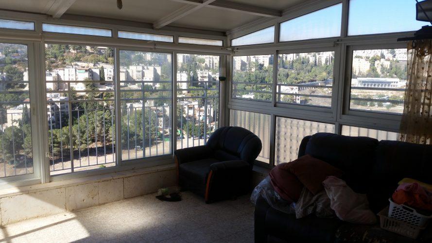 הדירה ברחוב שלמה בן יוסף, ארמון הנציב (צילום: אריק ניסני)