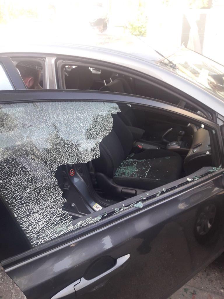 תינוקת ננעלה בתוך רכב בבית וגן (צילום: דוברות המשטרה)