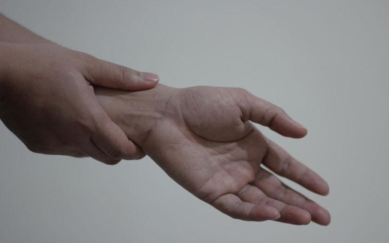 דלקת מפרקים בשורש (צילום: דוברות שערי צדק)
