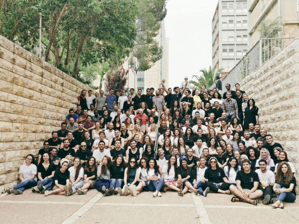 בוגרי בית הספר לרפואה, מחזור ה-70, של האוניברסיטה העברית (צילום: דוברות האוניברסיטה העברית)