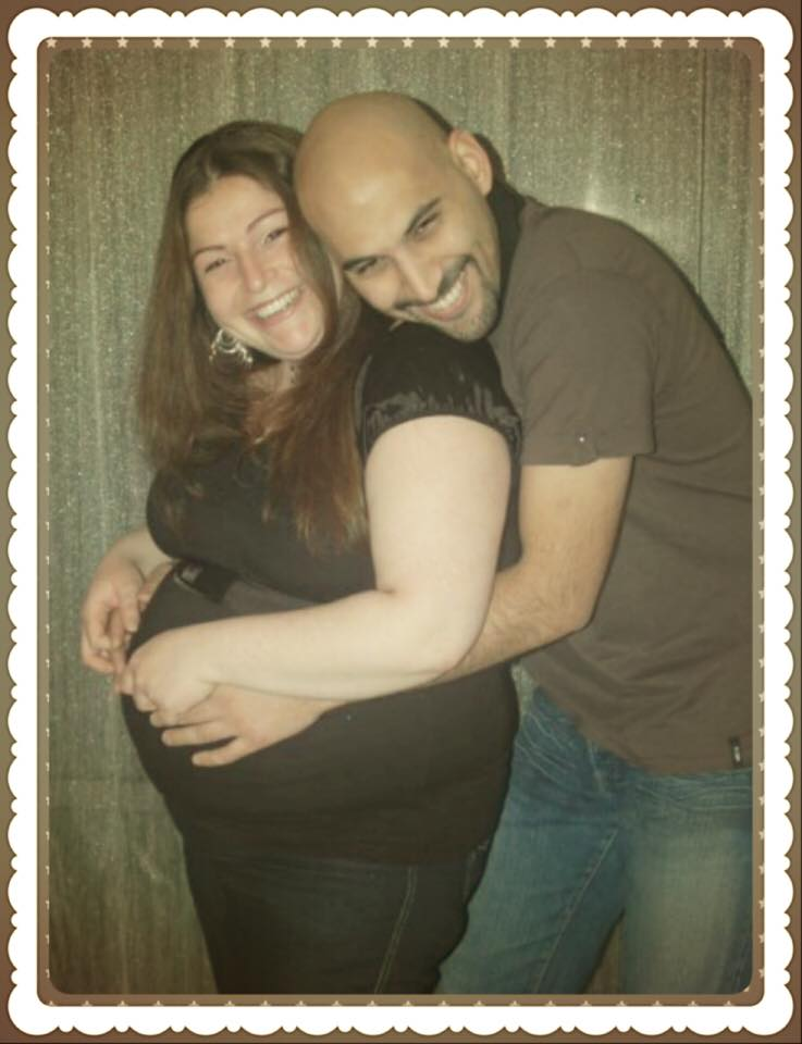 """תומר רואה ומיכל פישמן בתקופת ההריון. """"עכשיו תביאו עוד אח/אחות, שלא יהיה לבד"""" (צילום: אלבום פרטי)"""