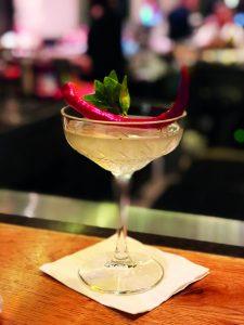 קוקטייל הצ'ילי של שרה במסעדת אדום (צילום: סימון אגסי)