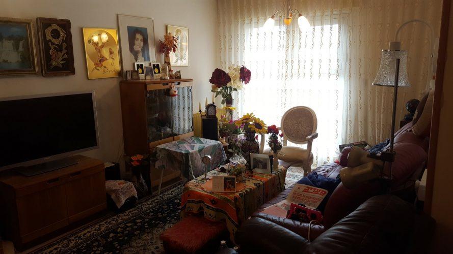 הדירה ברחוב פסח חברוני, קרית היובל (צילום: אייל שאולוף)