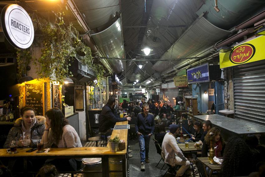 מתחם הבילויים בשוק מחנה יהודה חיי הלילה (צילום: אוליבייה פיטוסי)