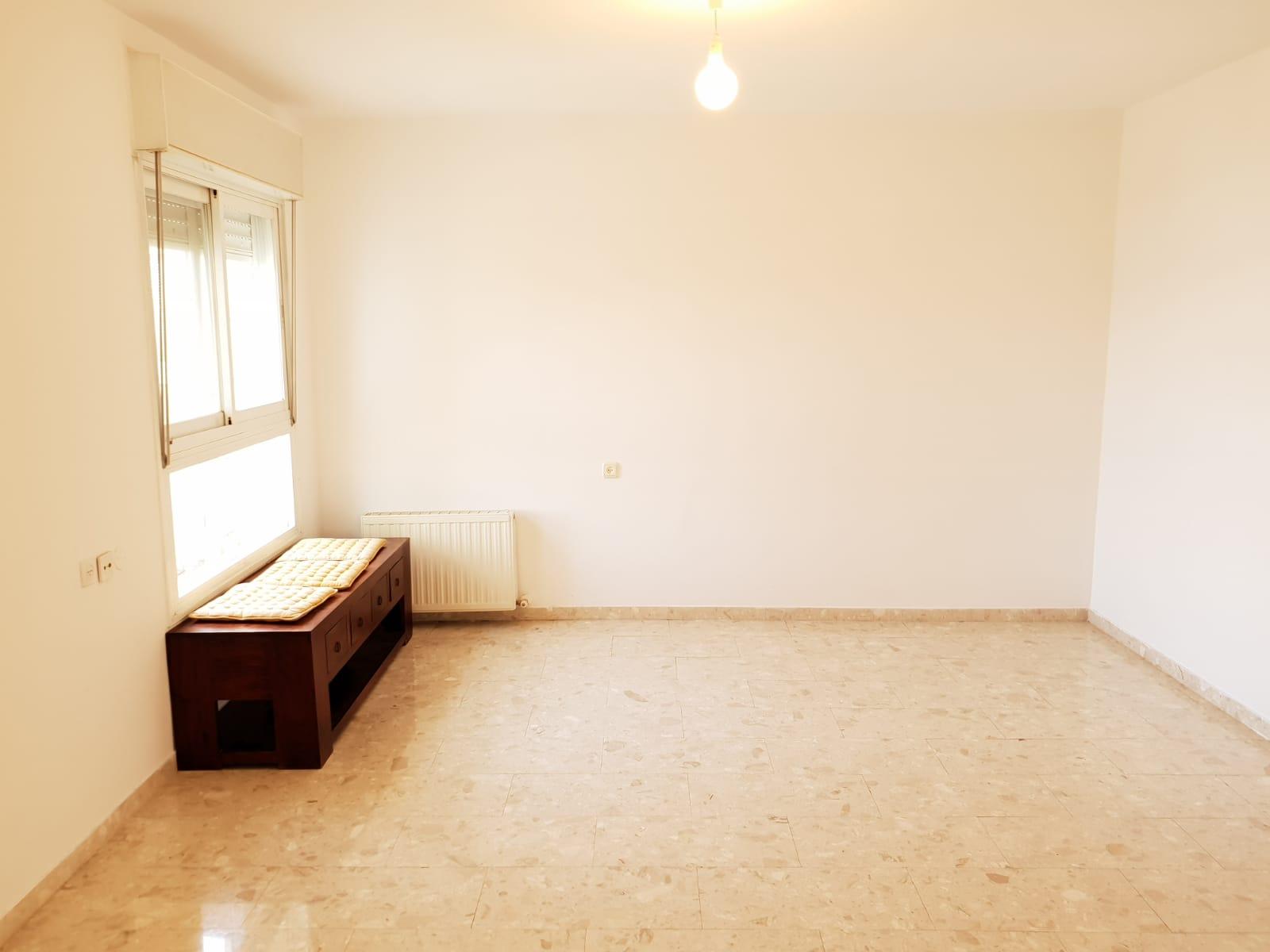 הדירה ברחוב אריה דולצ'ין, גבעת משואה (צילום: אייל שאולוף)