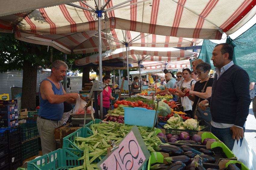 אחד השווקים בברה (צילום: רות פון שטראוס)