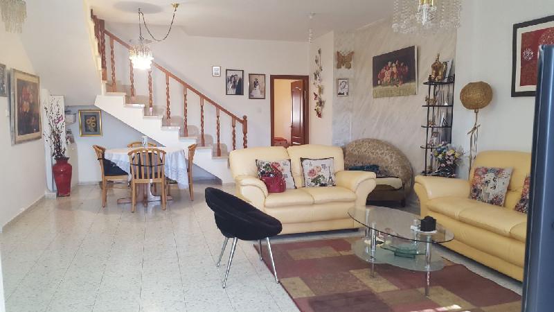 הדירה ברחוב אניביץ', קרית היובל (צילום: אמה בונין)