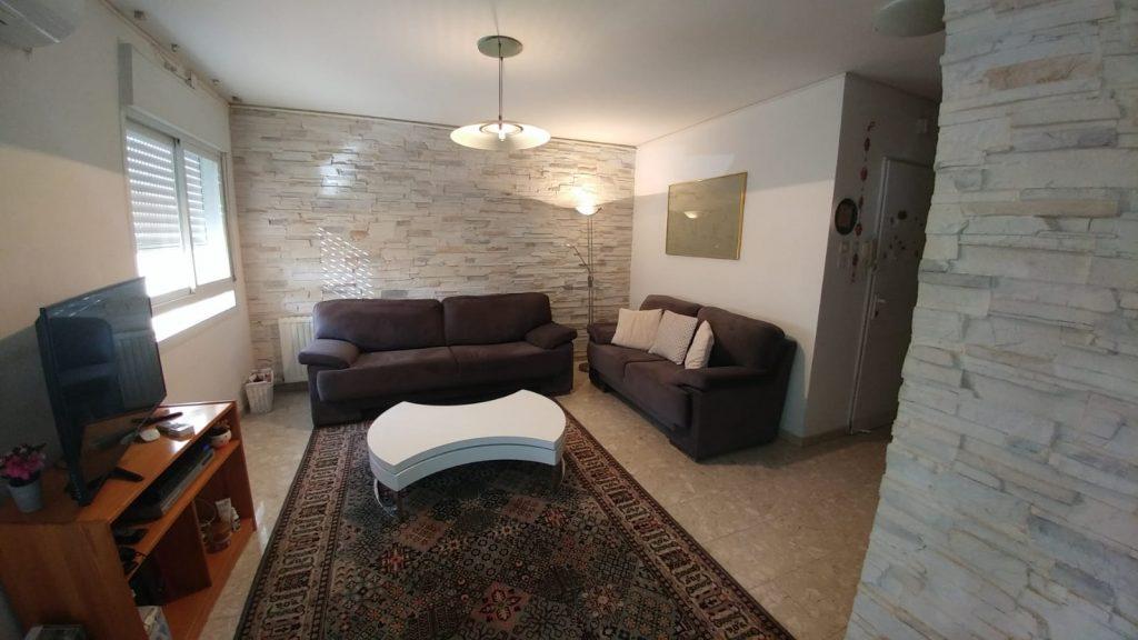 הדירה ברחוב שמואל נתן, גבעת משואה (צילום: אייל שאולוף)