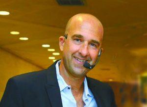 אבי זיתן, מומחה לאסטרטגיה ושיווק (צילום: ארנון בוסאני)