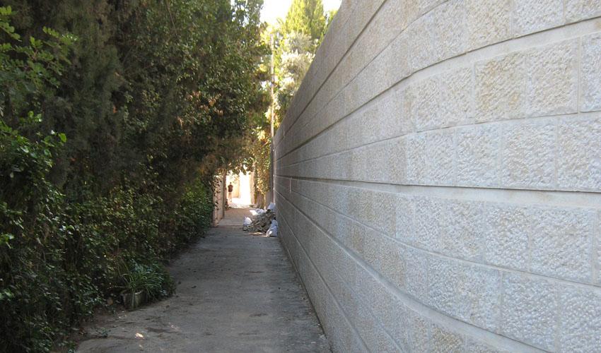 רחוב החוצב, בית הכרם (צילום: פרופ' רות קרק)