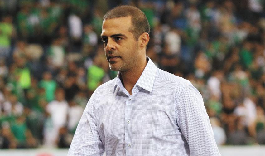 """יישאר מאמן בית""""ר ירושלים? גיא לוזון (צילום: שרון בוקוב)"""