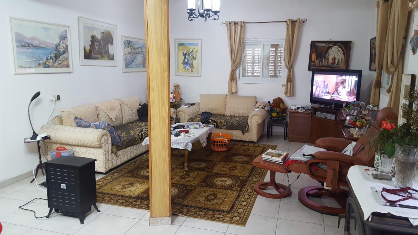 הדירה ברחוב הרפובליקה הדומיניקנית, קרית מנחם (צילום: אייל שאולוף)