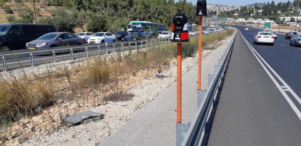 המצלמות המתקדמות החדשות של אגף התנועה במשטרת ישראל, כביש 1, (צילום: שלומי כהן)
