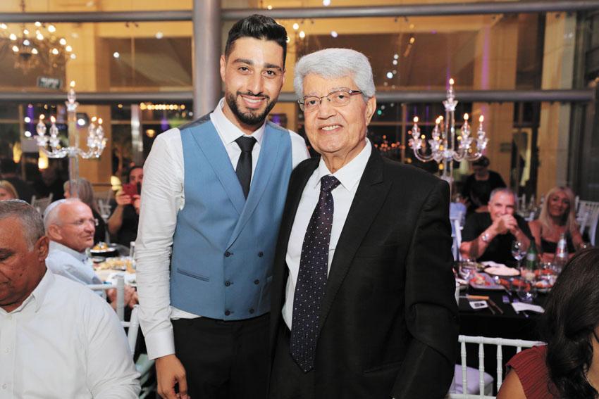 רון ירקוני עם חתן פרס ישראל דוד לוי (צילום: שרון רביבו)